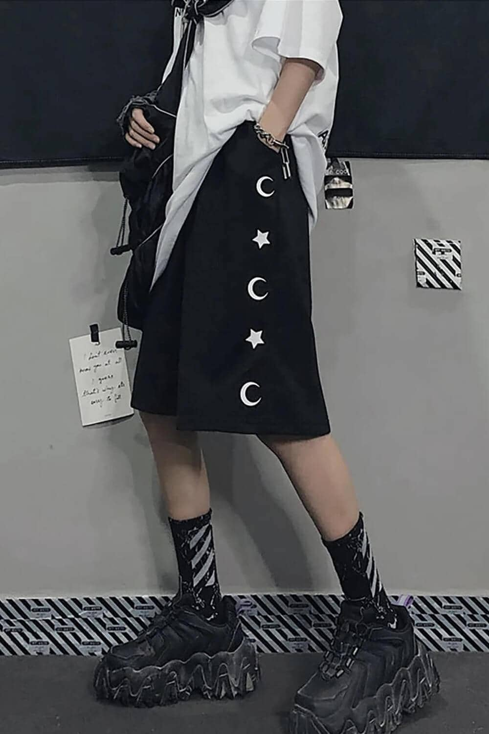 EGirl Outfits - Crescent Moon and Stars Embroidery Shorts - Orezoria Shop