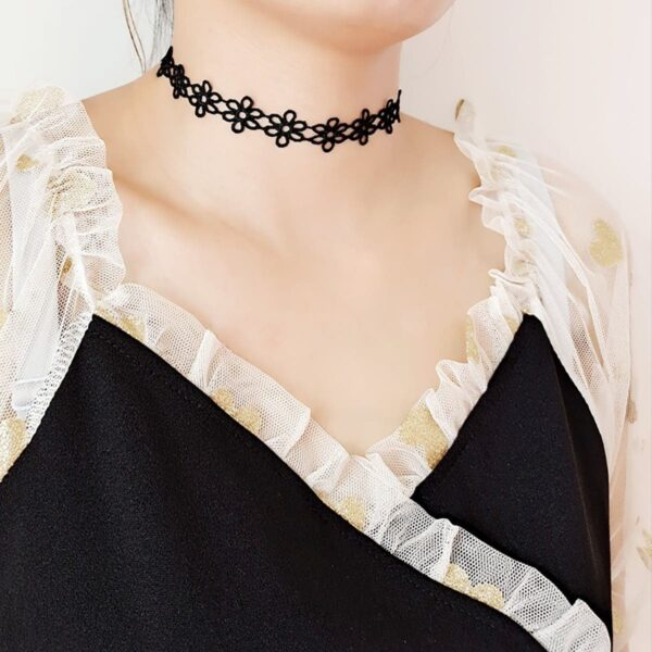 Laced Flowers Choker Collar Necklace Black and White