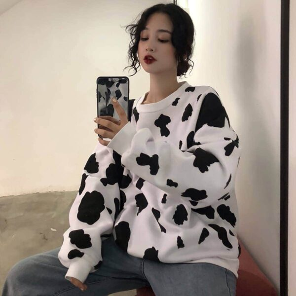 Cow Pattern Long Sleeve Sweatshirt 3- Orezoria Aesthetic Outfits Shop - Aesthetic Clothing - eGirl Outfits - Soft Girl Outfits