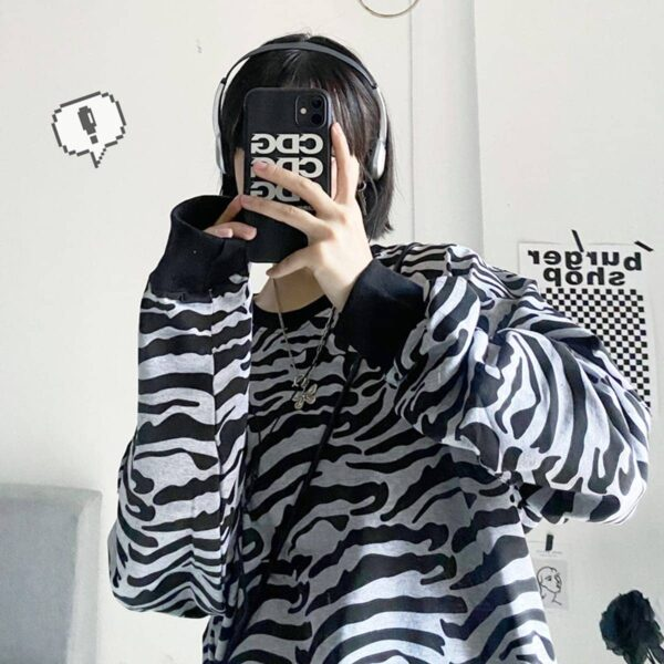Asian Tiger Aesthetic Print Loose Sweatshirt 1 - Orezoria Aesthetic Outfits Shop - Aesthetic Clothing - eGirl Outfits - Soft Girl Outfits