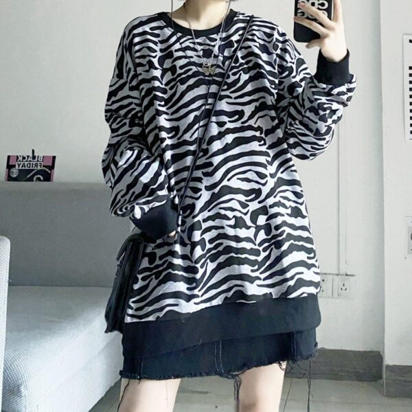 Asian Tiger Aesthetic Print Loose Sweatshirt 3 - Orezoria Aesthetic Outfits Shop - Aesthetic Clothing - eGirl Outfits - Soft Girl Outfits
