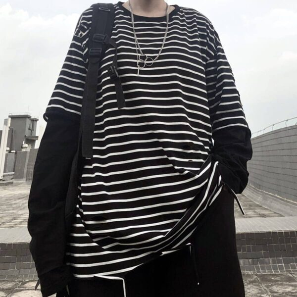 Fake Sleeve Loose Striped Tee 2- Orezoria Aesthetic Outfits Shop - Aesthetic Clothing - eGirl Outfits - Soft Girl Outfits