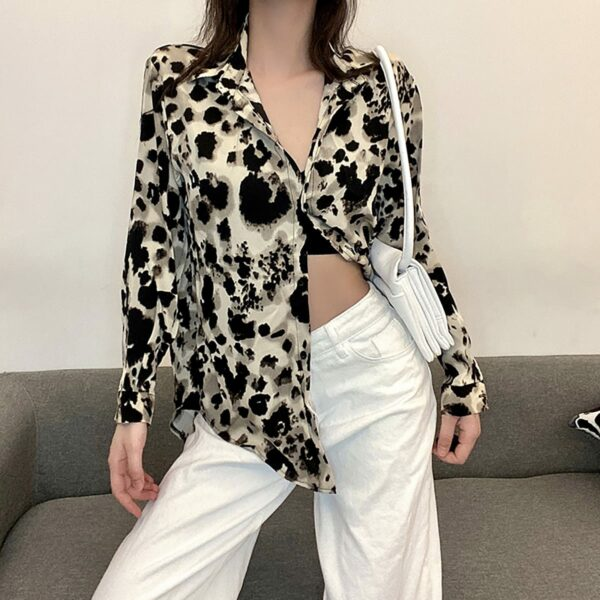 Forest Cat Loose Baddie Aesthetic Shirt - Orezoria Aesthetic Outfits Shop - Aesthetic Clothing - eGirl Outfits - Soft Girl