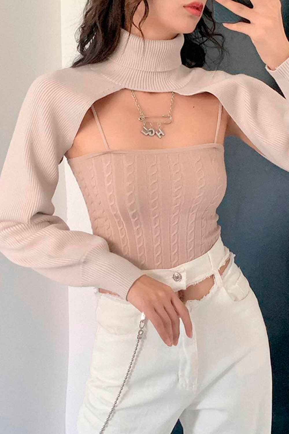 Sleeves and Neck Shoulders Short Top