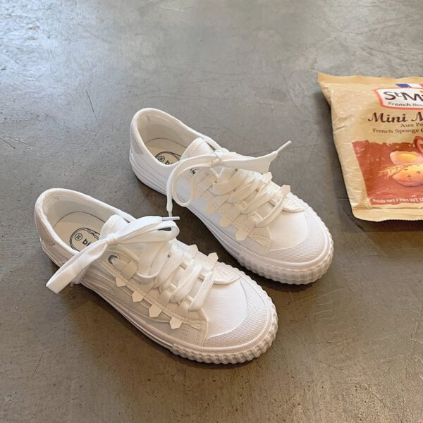 White Retro Aesthetic Canvas Shoes 2- Orezoria Aesthetic Outfits Shop - Aesthetic Clothing - eGirl Outfits - Soft Girl Outfits